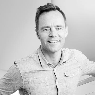 Bild på Jonas Rosenström i svartvitt