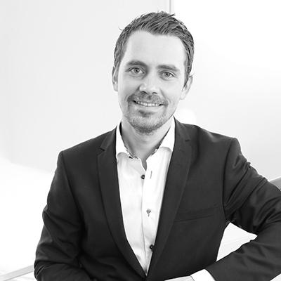 Bild på Daniel Staxäng i svartvitt